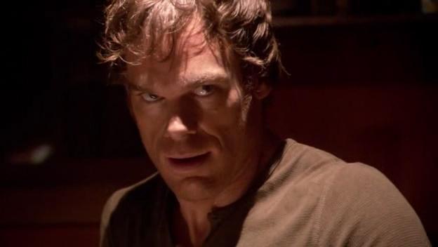 Dexter Morgan, nel cui ruolo troviamo Michael C. Hall, in una scena dell'episodio 'There's something about Harry' della serie tv Dexter