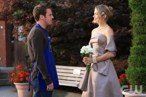 Bret harrison e pascale hutton in una scena dell 39 episodio l 39 amore non esiste di reaper 88774 - L amore infedele scena bagno ...