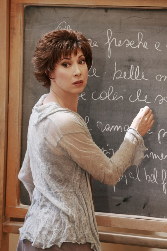 Veronica Pivetti è Camilla Baudino in una scena di Provaci ancora Prof! 3