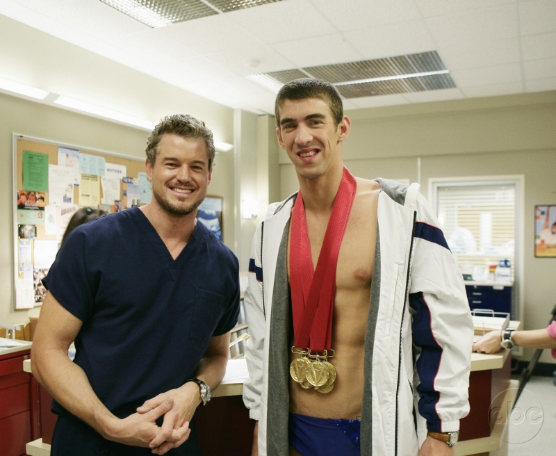 Eric Dane Insieme A Michael Phelps Sul Set Di Greys Anatomy 90469