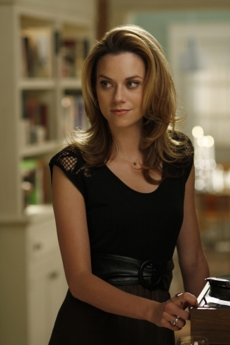 Hilarie Burton è Peyton nella serie tv One Tree Hill, episodio 'You've dug your own grave, now lie in it'
