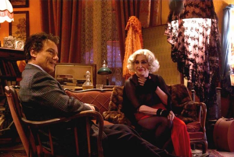 Massimo Ranieri e Adriana Asti in una scena de L'ultimo Pulcinella