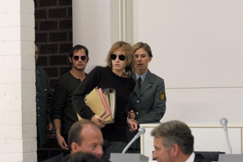 Moritz Bleibtreu e Johanna Wokalek in una scena del film La banda Baader Meinhof