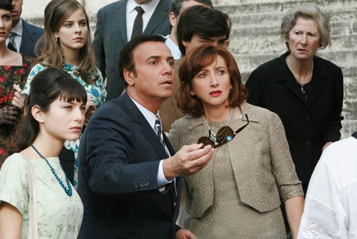 Lunetta Savino con Massimo Ghini nella serie tv Raccontami 2