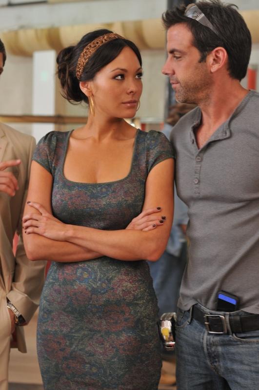 Lindsay Price e Carlos Ponche nell'episodio 'Chapter Ten: Let it Be' della serie tv Lipstick Jungle