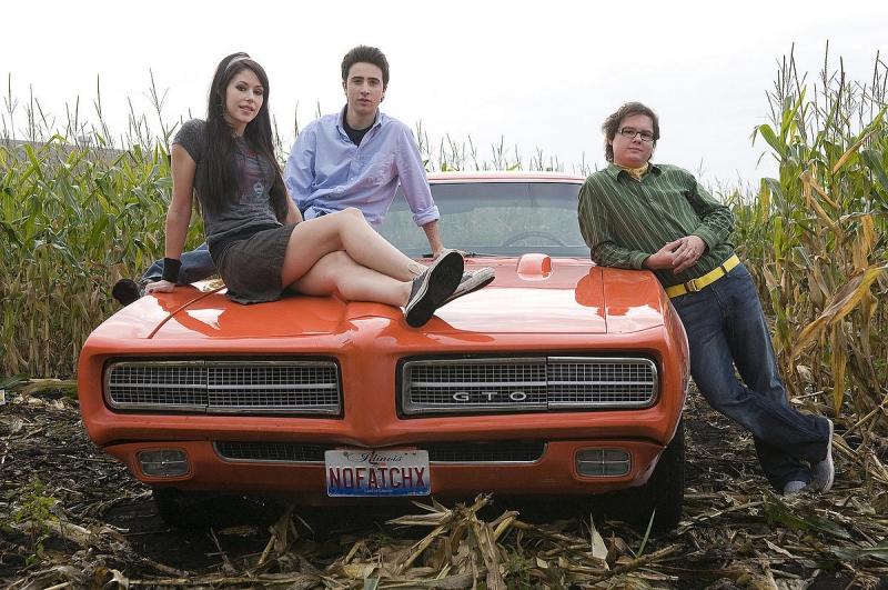 Amanda Crew, Josh Zuckerman e Clark Duke in una foto promozionale del film Sex Drive