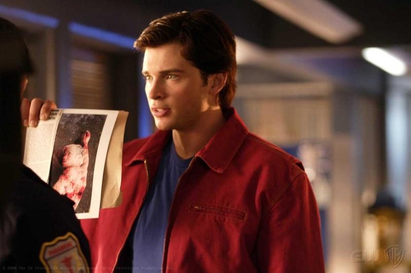 Tom Welling è Clark Kent, alias Superman,  nella serie tv Smallville, episodio: Prey