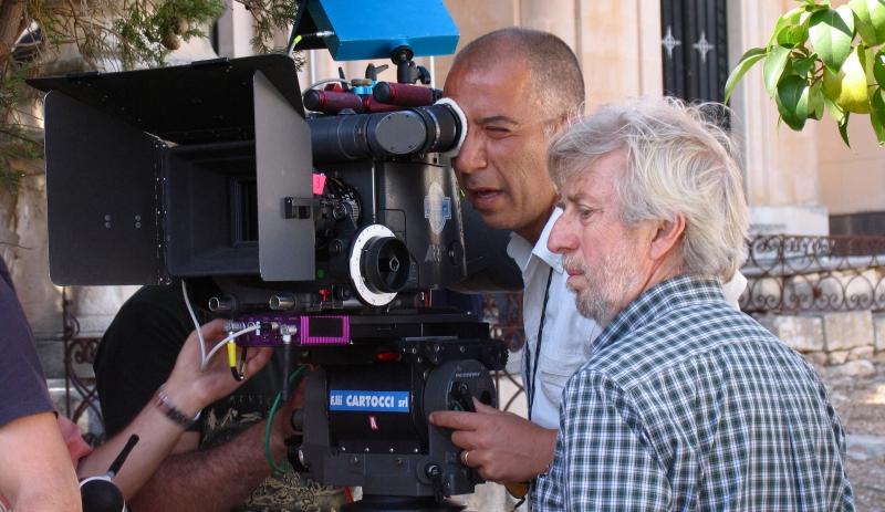 Alberto Sironi sul set della serie Il Commissario Montalbano