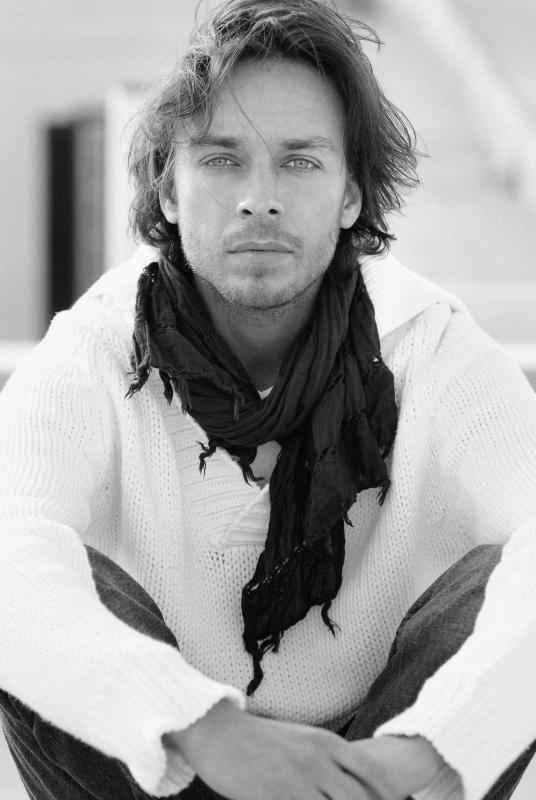Un bel ritratto in bianco e nero di Giuseppe Schisano
