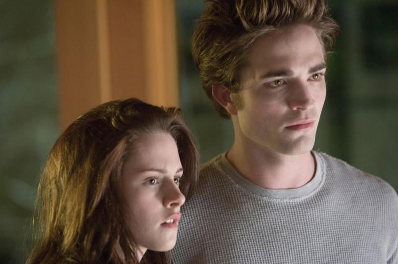 Kristen Stewart e Robert Pattinson in un'immagine del romantico Twilight