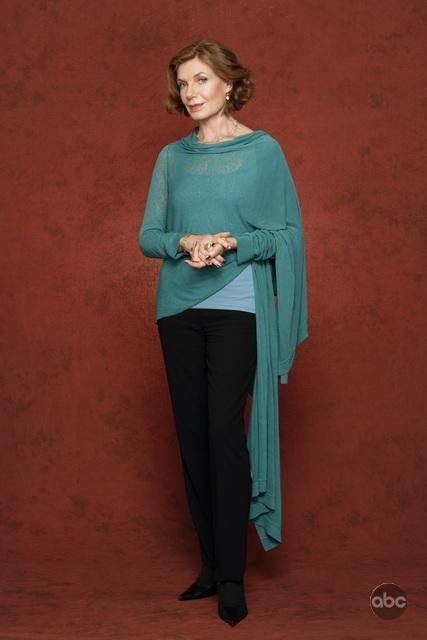Susan Sullivan in una foto promozionale della serie Caslte