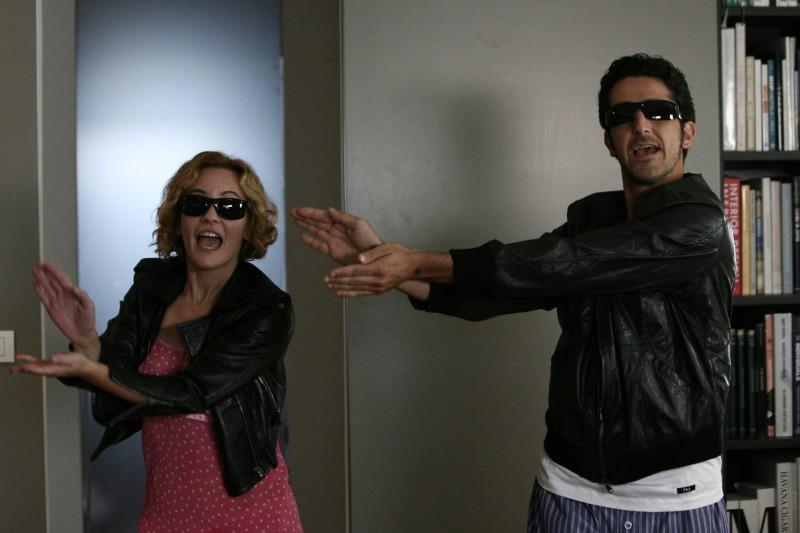 Marina Rocco e Luca Angeletti in una scena dell'episodio Certe notti di Tutti pazzi per amore