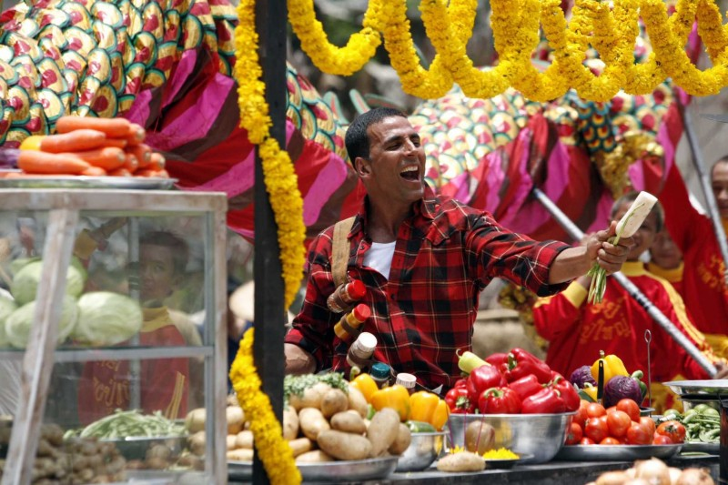 Akshay Kumar in una sequenza di Chandni Chowk to China