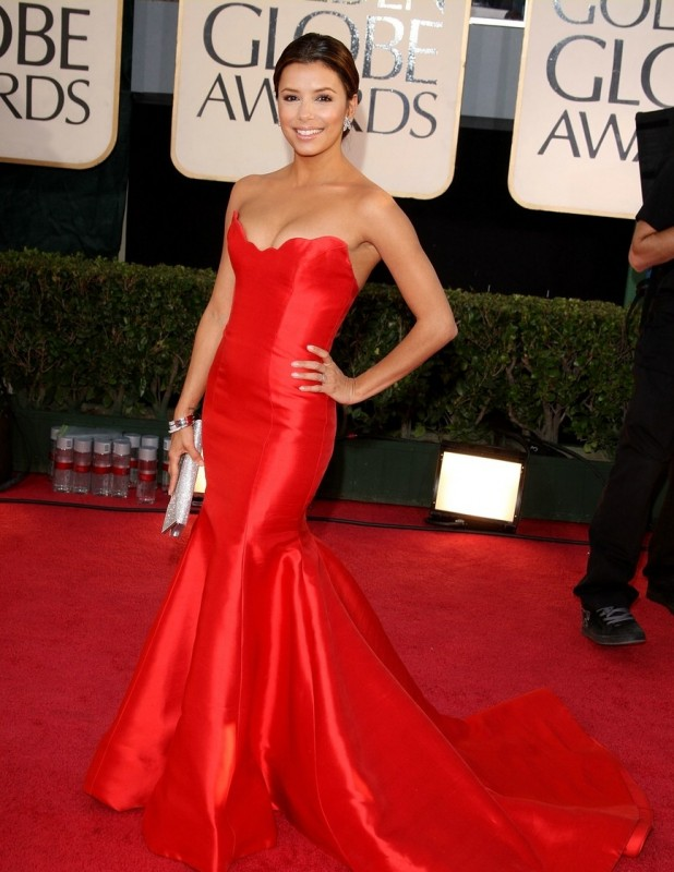 Eva Longoria, una delle star di Desperate Housewives, sfila sul red carpet dei Golden Globes 2009