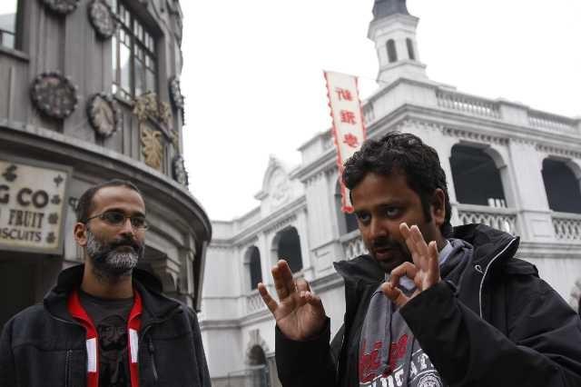 Il produttore Rohan Sippy e il regista Nikhil Advani sul set del film Chandni Chowk to China