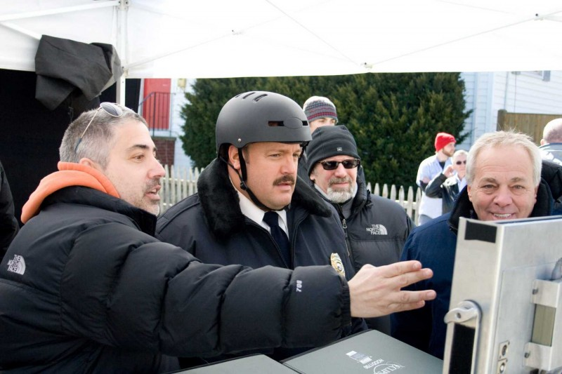 Il regista Steve Carr, Kevin James, Jeff Sussman e Marty Eli Schwartz sul set del film Paul Blart: Mall Cop