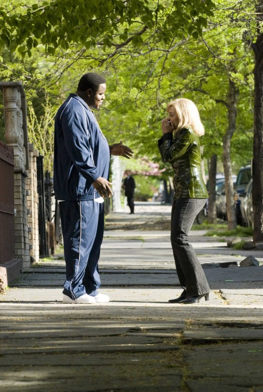 Jamal Woolard e Antonique Smith in una scena del film Notorious
