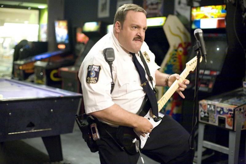 Kevin James in un'immagine di Paul Blart: Mall Cop