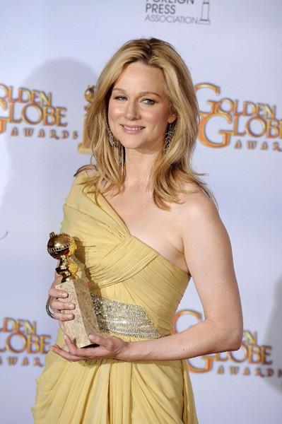 Laura Linney premiata come miglior attore tv per il film John Adams ai Golden Globes 2009