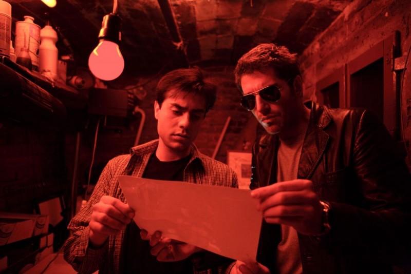 Giuseppe Soleri e Giampaolo Morelli in una scena della seconda stagione della serie tv L'ispettore Coliandro
