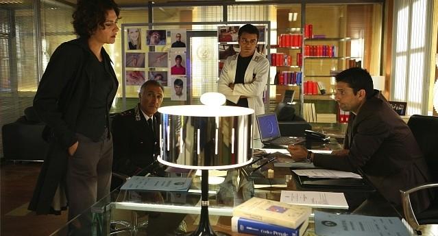 Una scena della stagione 5 di R.I.S. - Delitti imperfetti