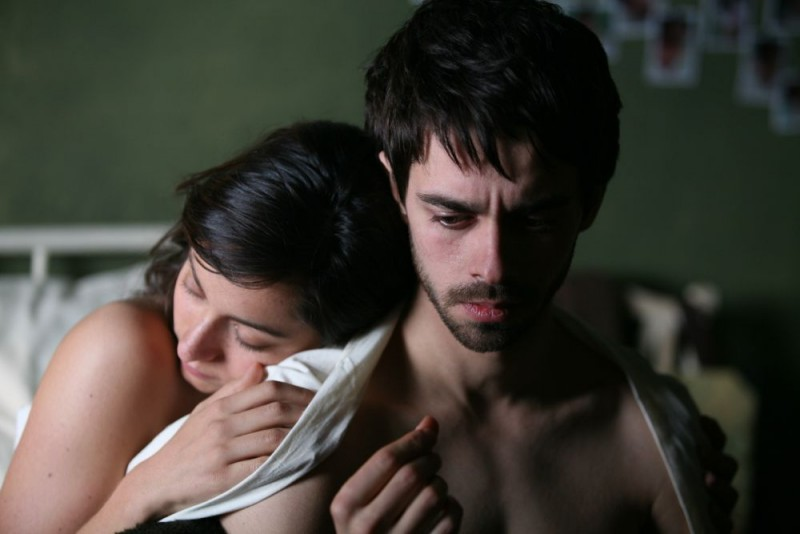 Oona Chaplin e Alberto Amarilla in un'immagine del film Imago Mortis