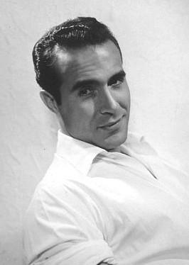 Un bel ritratto dell'attore Ricardo Montalban