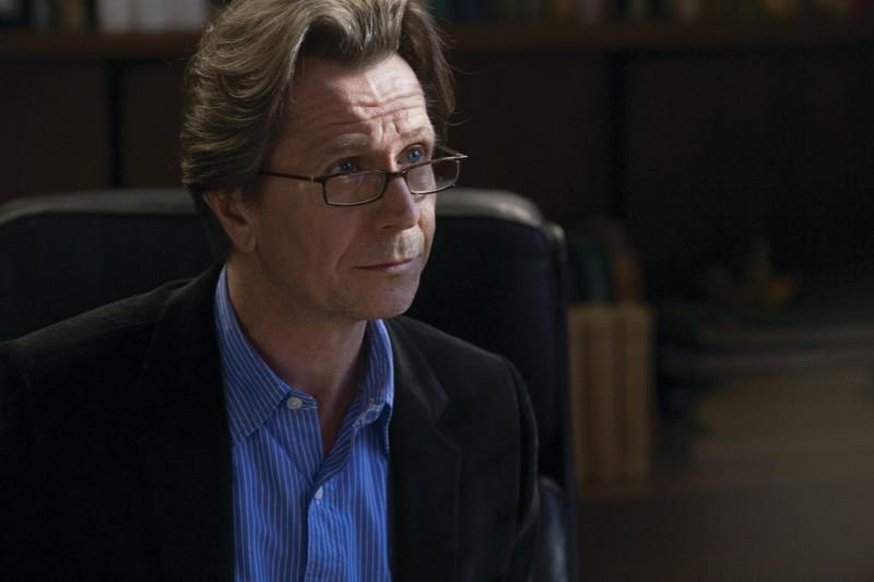 Gary Oldman in una sequenza del film Il mai nato