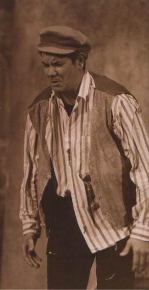 Antonio Salvatore Leontini protagonista a teatro in Pazzie di Cori di Turi Giordano