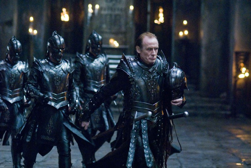 Bill Nighy in una scena del film Underworld: La ribellione dei Lycans