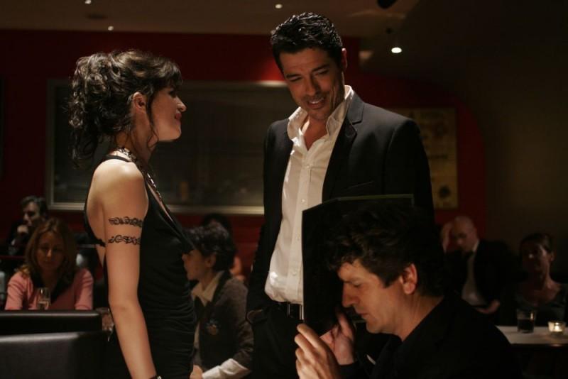 Cécile Cassel, Alessandro Gassman e Fabio De Luigi in una scena del film Ex