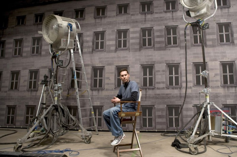 Il regista Bryan Singer sul set del film Valkyrie