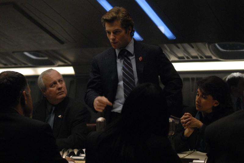 Jamie Bamber in una scena dell'episodio A Disquiet Follows My Soul di Battlestar Galactica