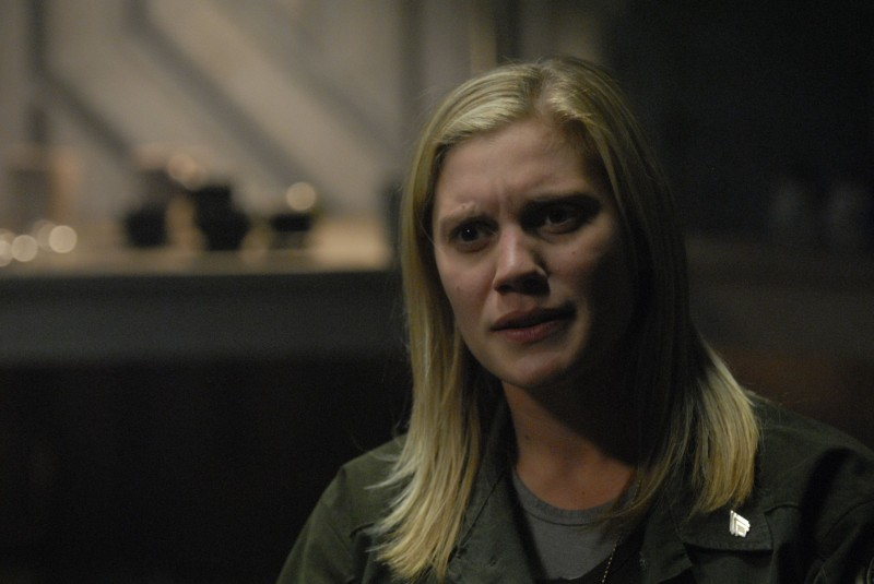 Katee Sackhoff in una scena dell'episodio A Disquiet Follows My Soul di Battlestar Galactica