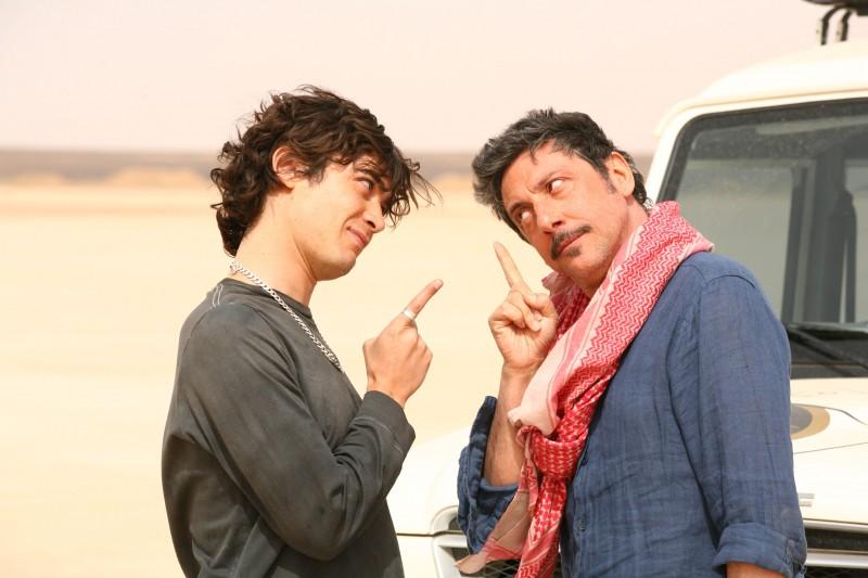 Riccardo Scamarcio e Sergio Castellitto in una sequenza della commedia Italians, diretta da Giovanni Veronesi