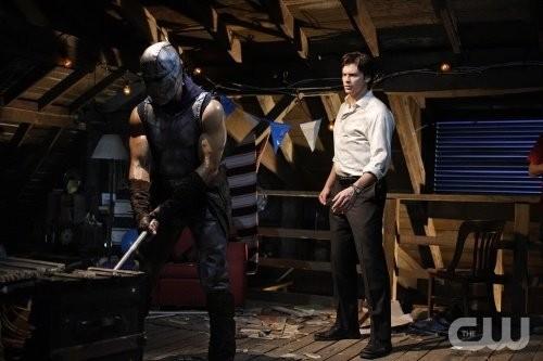 Un momento dell'episodio 'Legion' con Tom Welling della ottava stagione della serie tv Smallville