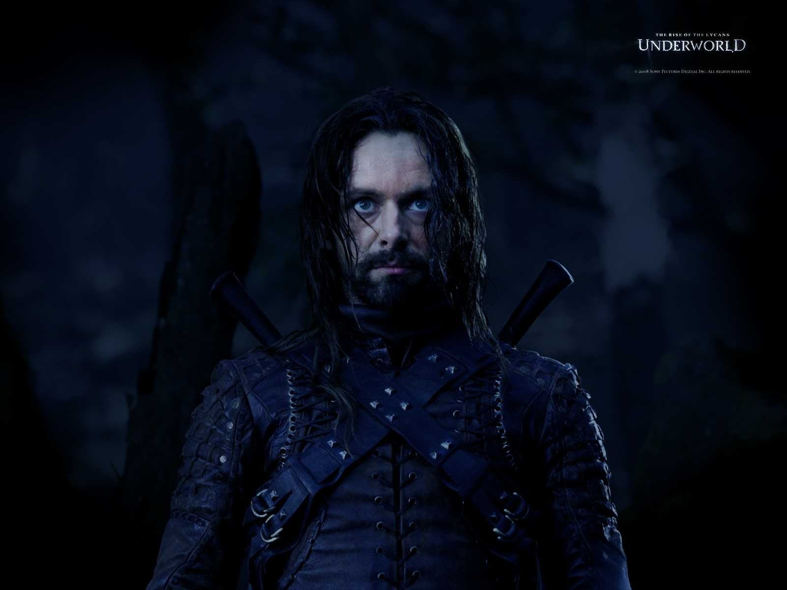 Un wallpaper del film Underworld: La ribellione dei Lycans con Michael Sheen