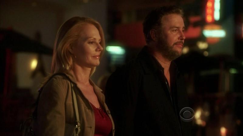William Petersen e Marg Helgenberger in una sequenza dell'episodio 'One to go' della serie televisiva CSI Las Vegas