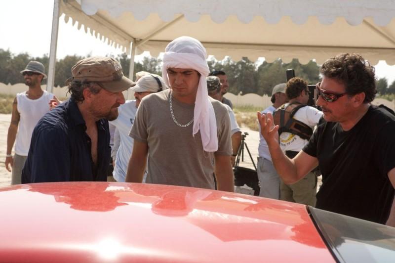 Il regista Giovanni Veronesi, Riccardo Scamarcio e Sergio Castellitto sul set del film Italians