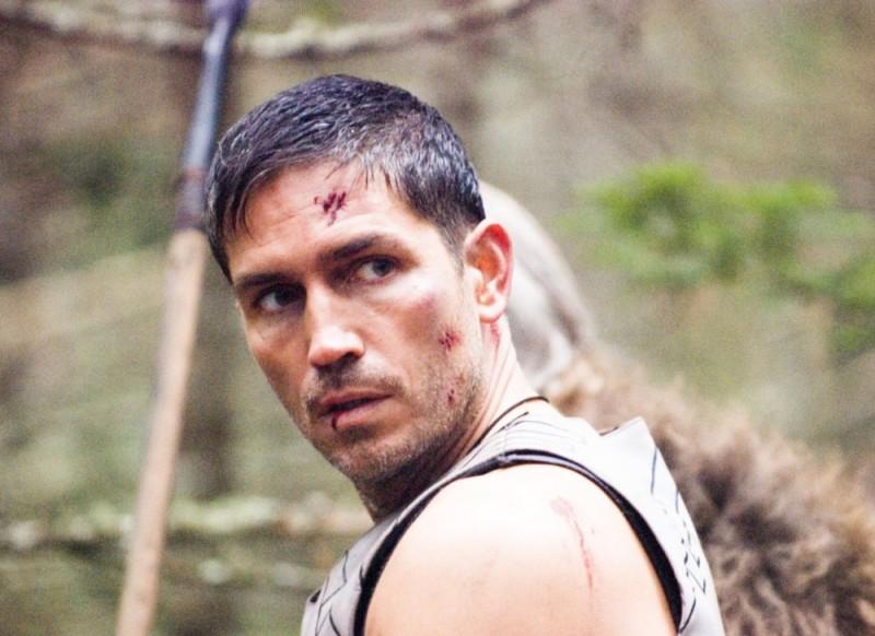James Caviezel in un'immagine del film Outlander
