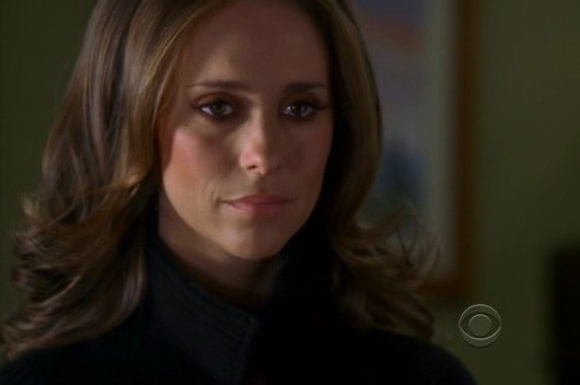 Jennifer Love Hewitt nell'episodio Life on the Line della quarta stagione di Ghost Whisperer