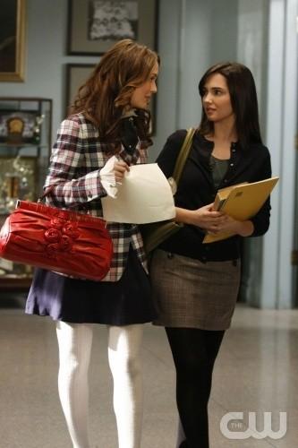 Leighton Meester e Laura Breckenridge nell'episodio You've Got Yale di Gossip Girl