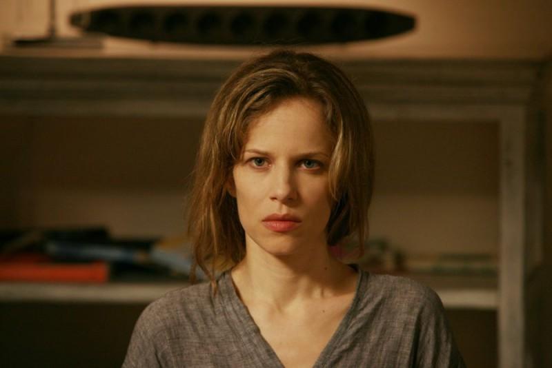 Sonia Bergamasco in un'immagine del film Giulia non esce la sera