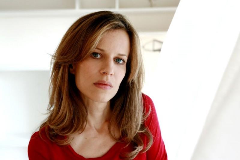 Sonia Bergamasco in una foto promozionale del film Giulia non esce la sera