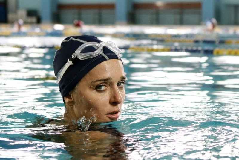 Un primo piano di Valeria Golino, protagonista femminile del film Giulia non esce la sera