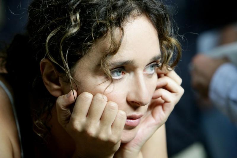 Un primo piano di Valeria Golino, tra i protagonisti del film Giulia non esce la sera