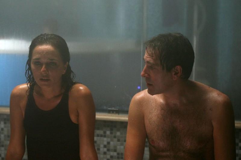 Valeria Golino e Valerio Mastandrea in un'immagine del film drammatico Giulia non esce la sera, diretto da Giuseppe Piccioni