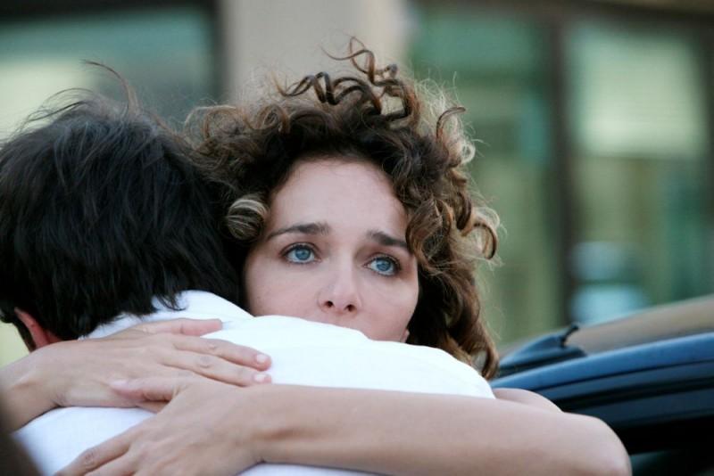 Valeria Golino in una scena del film Giulia non esce la sera