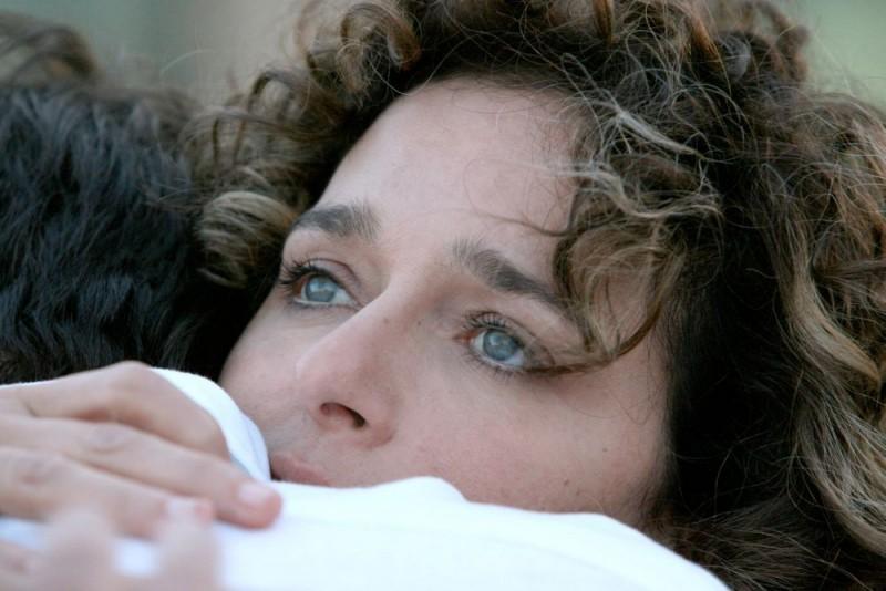 Valeria Golino in una sequenza del film Giulia non esce la sera