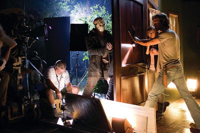 Derek Mears, Danielle Panabaker e Jared Padalecki sul set dell'horror Venerdì 13